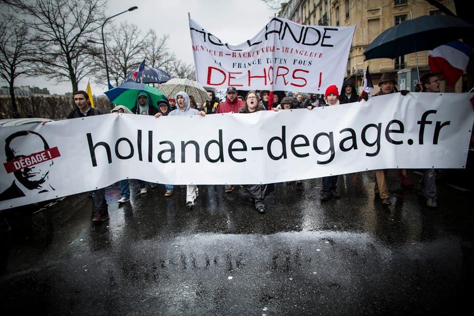 Jour de colere. Un obscur collectif appelle a une manifestation de la Place de la Bastille a la Place Vauban a Paris. Paris, France le 26 janvier 2014