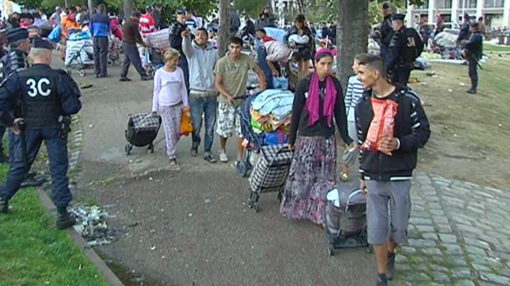 la-centaine-de-roms-parmi-lesquels-pres-d-une-trentaine-d-enfants-10515111ntnhr