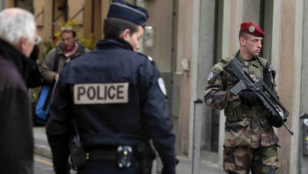 armée police