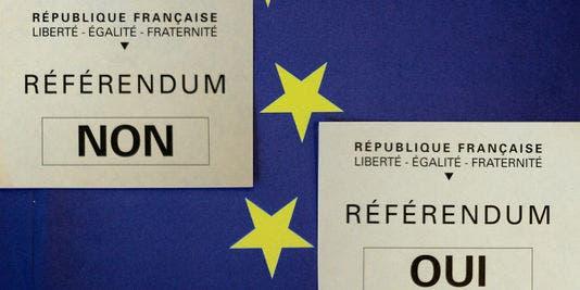 bulletins-de-vote-pour-le-referendum