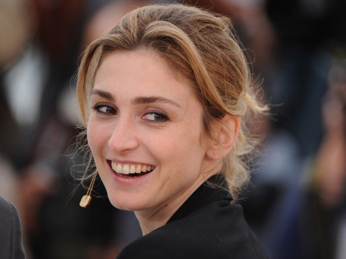 julie-gayet-photo-52ea7b0a64b5c