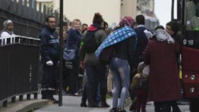 des SDF Français renvoyés d'un centre d'accueil pour accueillir 89 migrants