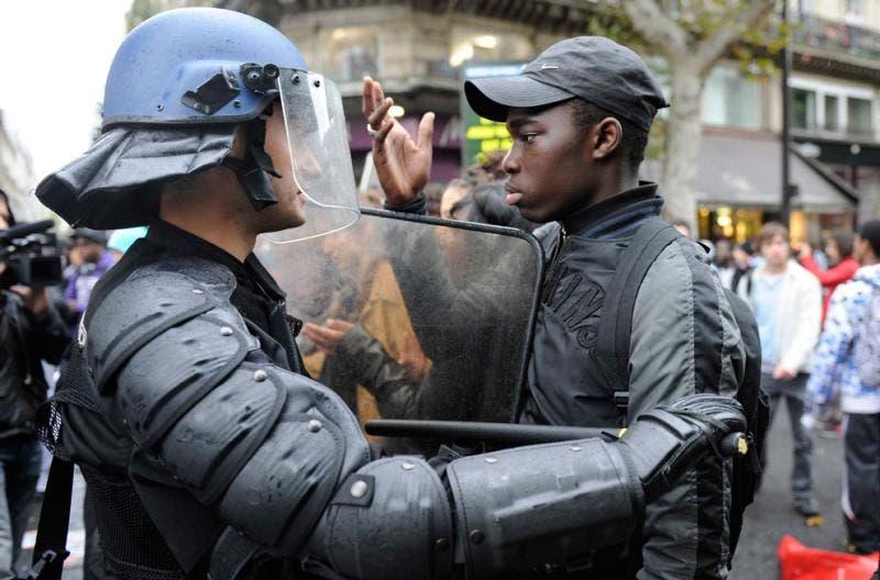 policiers contre une racaille