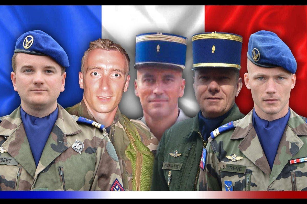 5 soldats
