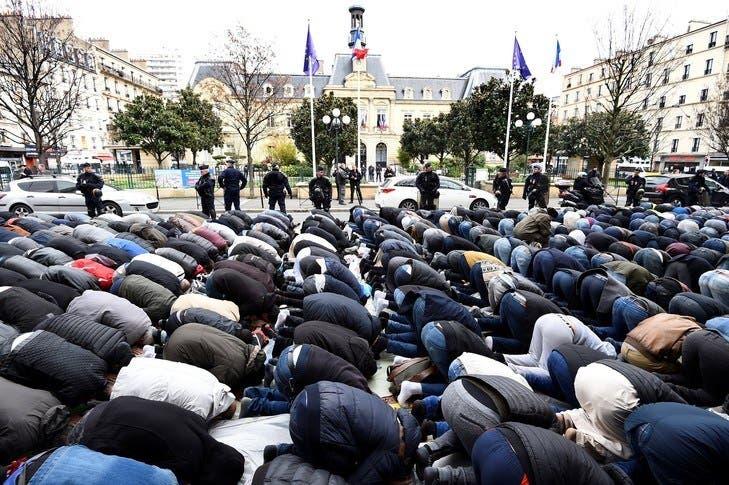 islam-prière-rue-clichy