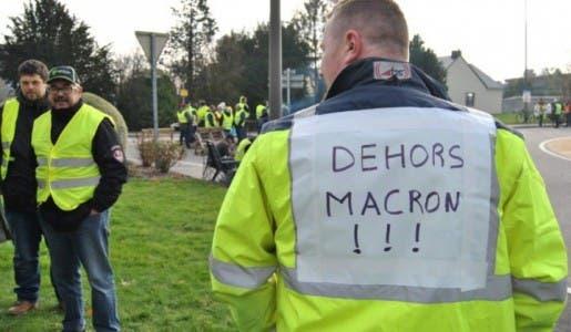 L'insurrection des Gilets Jaunes, le début de la fin d'Emmanuel Macron !